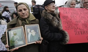 Bosnian women stage protest